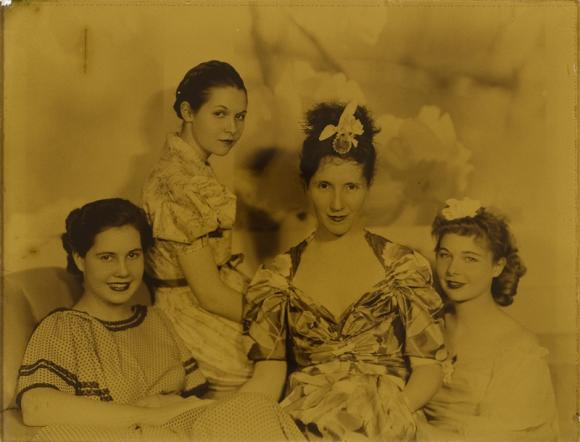 Dorr_Barby, Bet, Nell and Win_1930
