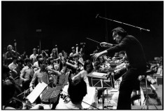 Claudio Abbado with European Community Youth Orchestra, Rhône-Alpes, Courchevel, France, 1980 © courtesy Contrasto/Magnum/Martine Franck
