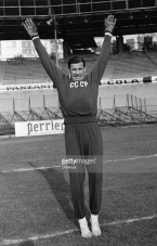 "Training session of Russian goalkeeper Lev Ivanovič Jašin. Named as the ""Black Spider"", Yashin was voted the best goalkeeper of the 20th century. October 19, 1965 (Universal/GettyImages"